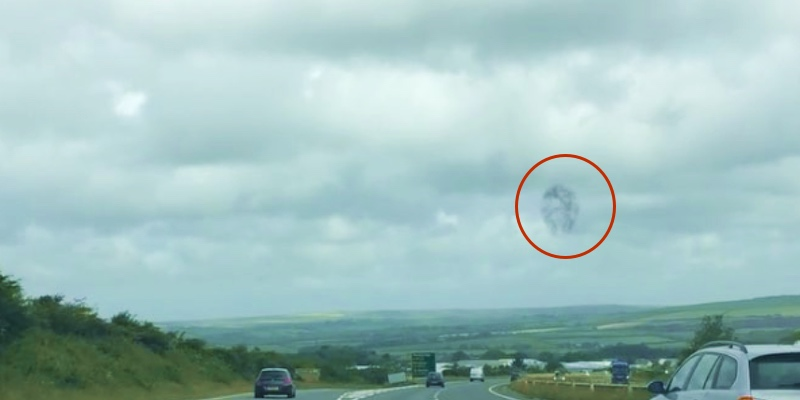 UFO sighting in Cornwall England, swarm in sky