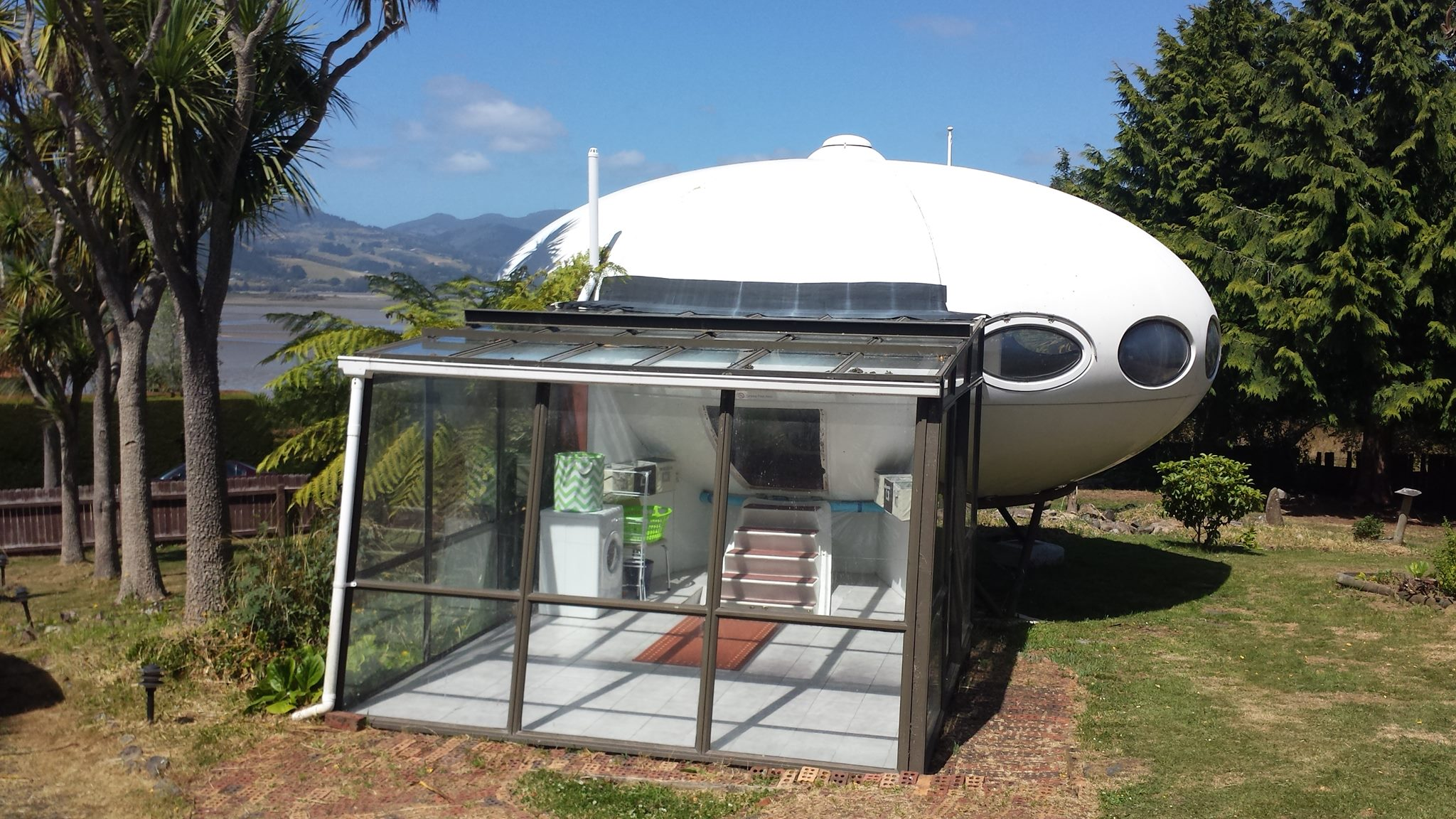 Rear of the UFO house with glass extention